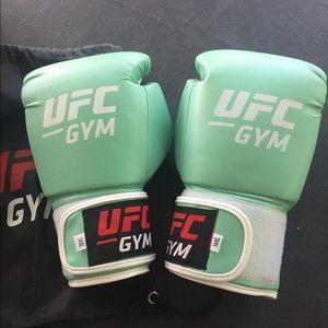 Premium training/sparring gloves.